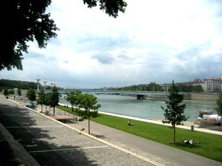Lyon studio photo - Banks of the Rhone: lawns and restaurant-barges