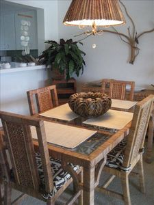 Sanibel Island condo rental - If you must cook, Dine At Home In A Tropical Atmosphere!