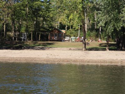 Cabin Sleeps 6 Great For Fishing For The Family! Has Bikes And Boats Too.