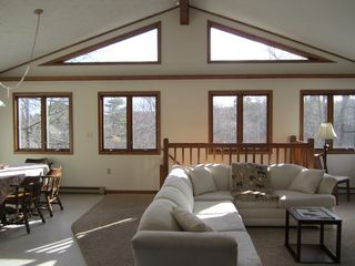 Winter booking wraparound porch sleeps homeaway for Long pond pa cabin rentals