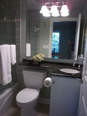 Saugatuck / Douglas cottage photo - Guest Bath