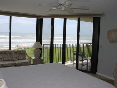 Master bedroom directly on the ocean. Access to balcony