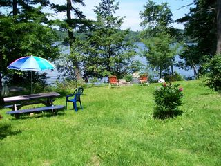 Damariscotta apartment photo - Front lawn to the waterfront, swimming, boating.
