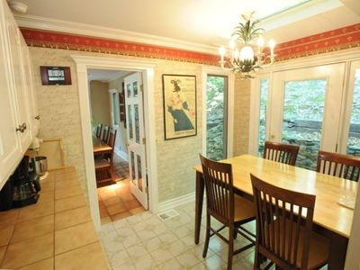 Bright & spacious kitchen has breakfast area and gas cooktop w/downdraft