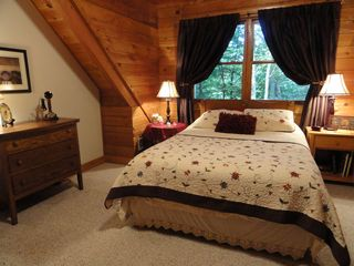 Banner Elk cabin photo - Treehouse Upstairs Bedroom