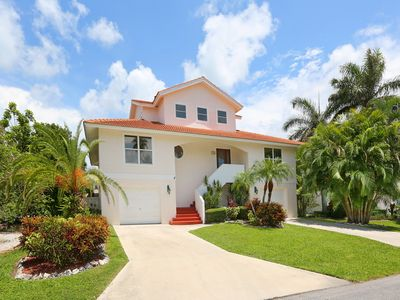 Sirenia Beach House - Resort Style Living - Deep Water Canal - Anna Maria Island