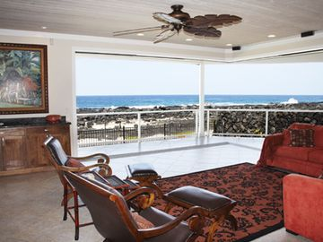 Kailua Kona house rental - open air living with huge opening glass bifold doors