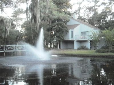 BEAUTIFUL HOME OVERLOOKING THE FOUNTAIN ON THE POND!