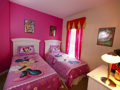 Minnie twin bedroom with ensuite bathroom TV/dvd