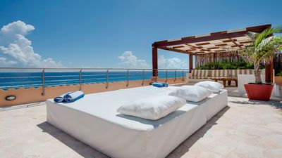 Al Cielo - Amazing Roof Top Deck With Jacuzzi, Chaise Lounges and More