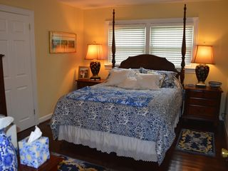Bakersville cottage photo - Perfect 'honeymoon' get away spacious, modern comfortable Cottage