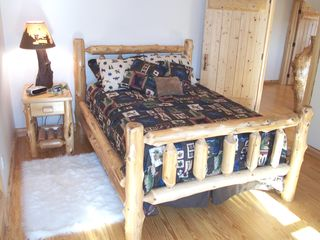 Sullivan lodge photo - Relax in the log bed nightly....Ready to go for another day of fun on the coast.