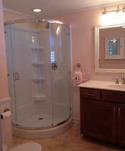 'Tutti~Frutti' ensuite Master Bathroom.