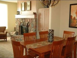 Representative Of A Livingroom/Diningroom At The Seasons Lodge, Arrowhead