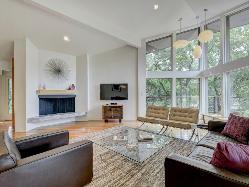 Lake Austin 3BR Mid-Century Modern – 200 Ft to Boat Slip, 10 Mins to Downtown