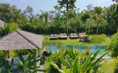 1700 Square meters of lush garden with Indian Ocean vistas