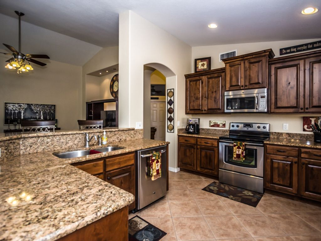 Beautiful luxury home inside and out vrbo for Pretty houses inside and out