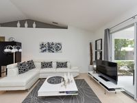 Contemporary Pool Villa I - private Beach - heated Pool and Jacuzzi - WiFi!