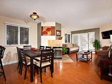 La Jolla condo rental - DINING ROOM