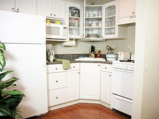 Mission Beach condo photo - Gourmet kitchen comes fully stocked