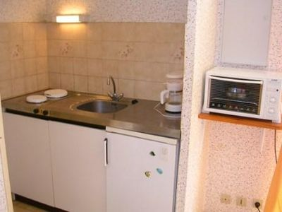 2 rooms 4 persons on 1st floor, direct access beach