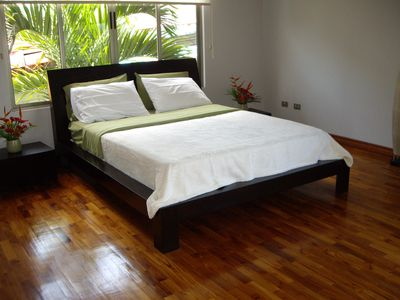Guest house in Downtown Atenas-Master bedroom
