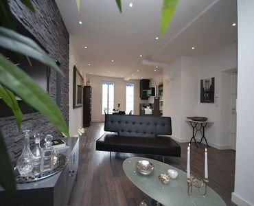 Carre d'Or apartment rental