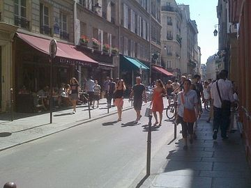 The beautiful Marais during Summer!