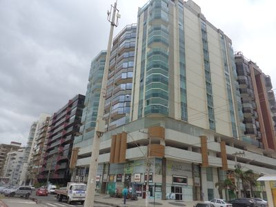 Building Beira Mar w / 3 bedrooms + 1 service and 4 bathrooms and 2 suites