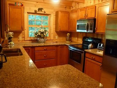 Gourmet kitchen all stainless, granite, ice, dishwasher, everything a chef needs