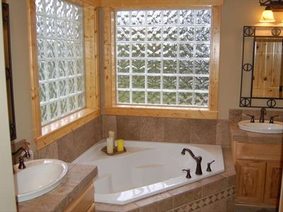Donnelly house rental - Master Bath Soaker Tub