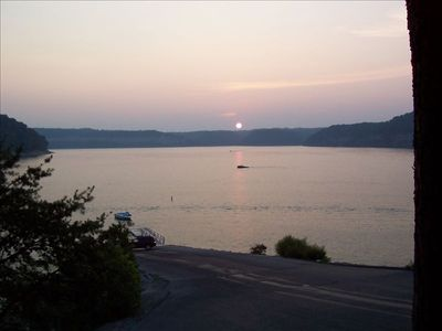 Boat Rentals - Lee's Ford Resort Marina | Lake Cumberland Lodging