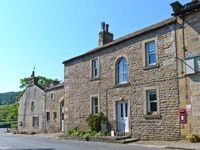 MEADOWCROFT, family friendly, with a garden in Burnsall, Ref 16486