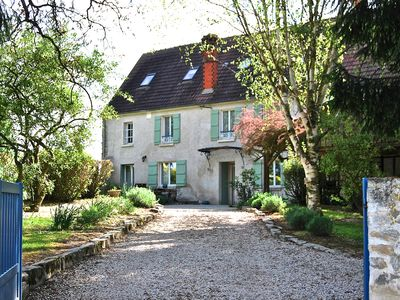 18th Century property 1h from Paris