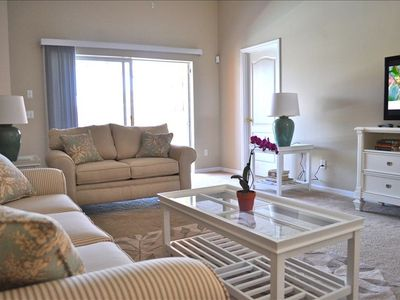 Living Room with Flat Screen TV,  Free WIFI, PS3 - all just minutes from Disney.