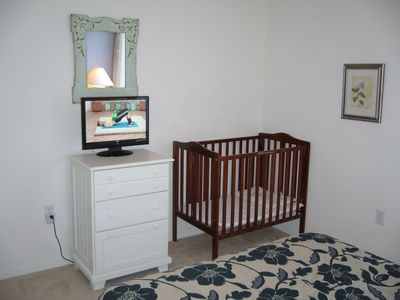 Bedroom 2 TV & Crib/Cot
