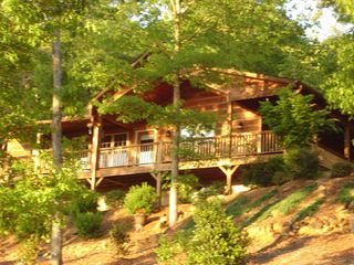 Murphy cabin photo - Cabin outside
