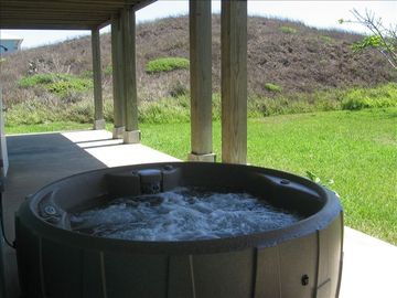 Private Hot Tub on bottom patio