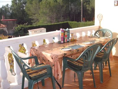 Godelleta villa rental - The balcony is perfect for an al-fresco breakfast