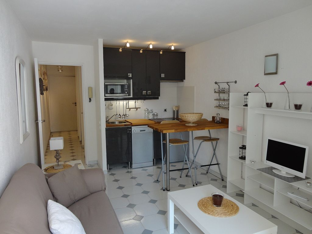Amenagement cuisine studio cuisine salon 20m2 avant aprs for Amenagement sejour cuisine 20m2