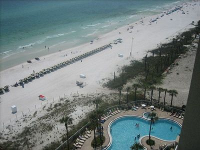 RIGHT ON THE BEACH! Rare Corner 3/2 Unit, SPECIALS!All Upgrades/free Beachchairs