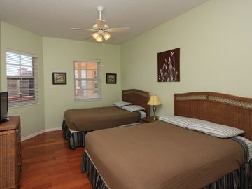 Comfortable Full Beds. Guest bedroom 1