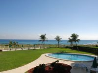 Luxury beachfront 2Br/2Ba Condo with the ocean at your door