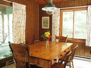 Lee cottage photo - Country pine dining room table seats 6