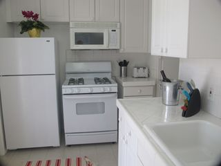 Pacific Beach apartment photo - Brand New Kitchen with dishwasher