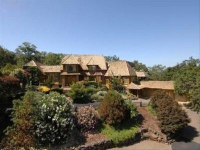 Wine Country Estate with  Views  near Healdsburg -Close to many Wineries