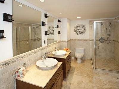 Master bath with shower and jetted tub