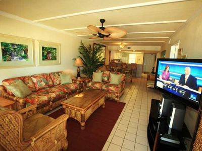 South Padre Island condo rental - Living area to dining and kitchen.