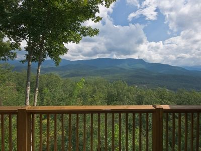 Gatlinburg cabin rental w awesome Smoky Mountain views, in Gatlinburg, Tennessee
