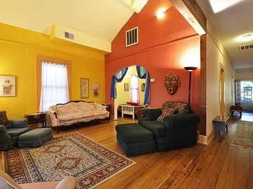 Austin house rental - HOUSE: Living Area with Vaulted Ceiling and Comfy Couches